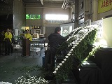 浜松生花卸売市場での葬儀用生花祭壇講習会の様子4