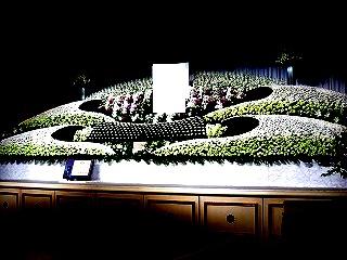 大型生花祭壇装飾 花屋さんとコラボレーション作品① IN東北